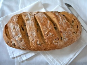 Olive bread by Bakes Cakes and eats